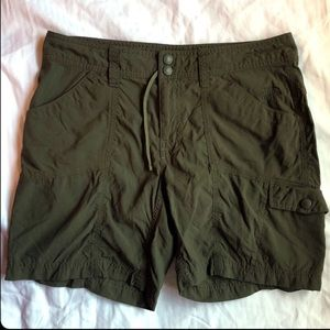 The North Face Olive Cargo Shorts ✨